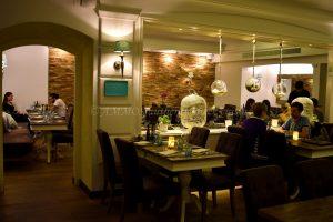 restaurant_inside_3